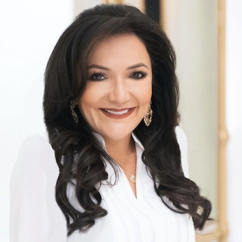Nina Vaca headshot